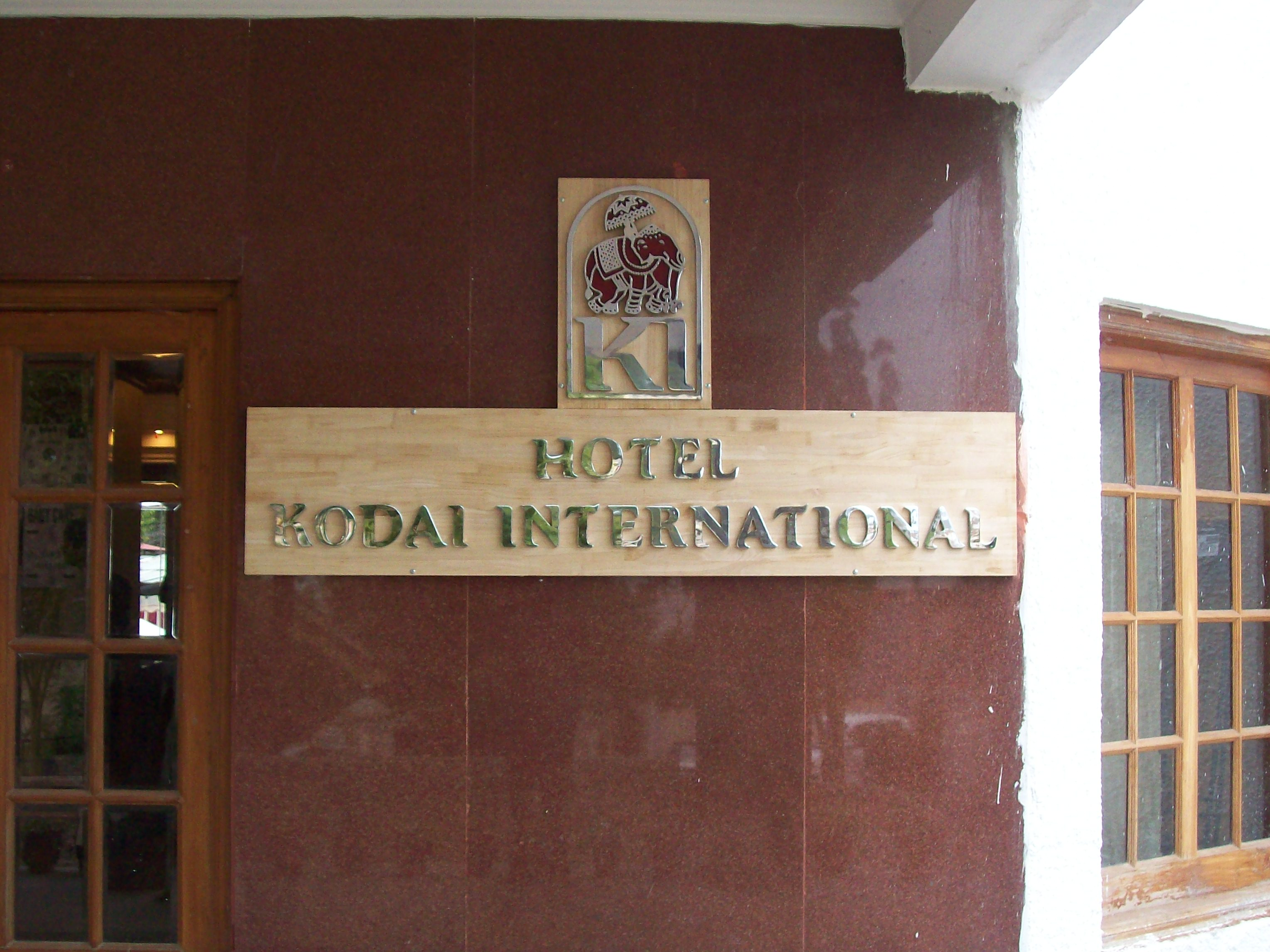 Hotels/Restaurants